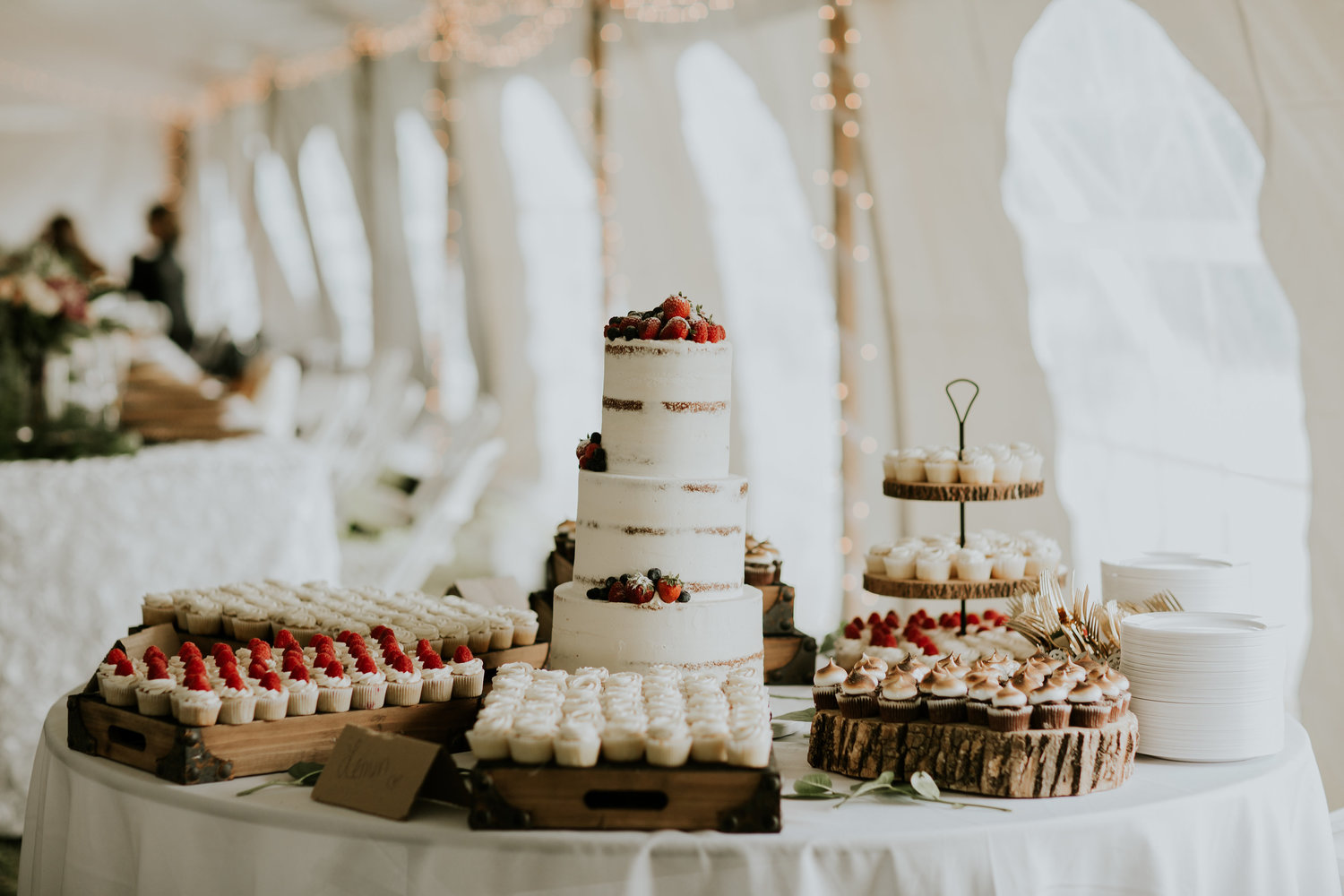 Amys Cupcakes | Vendor Highlight | Laine Palm Designs