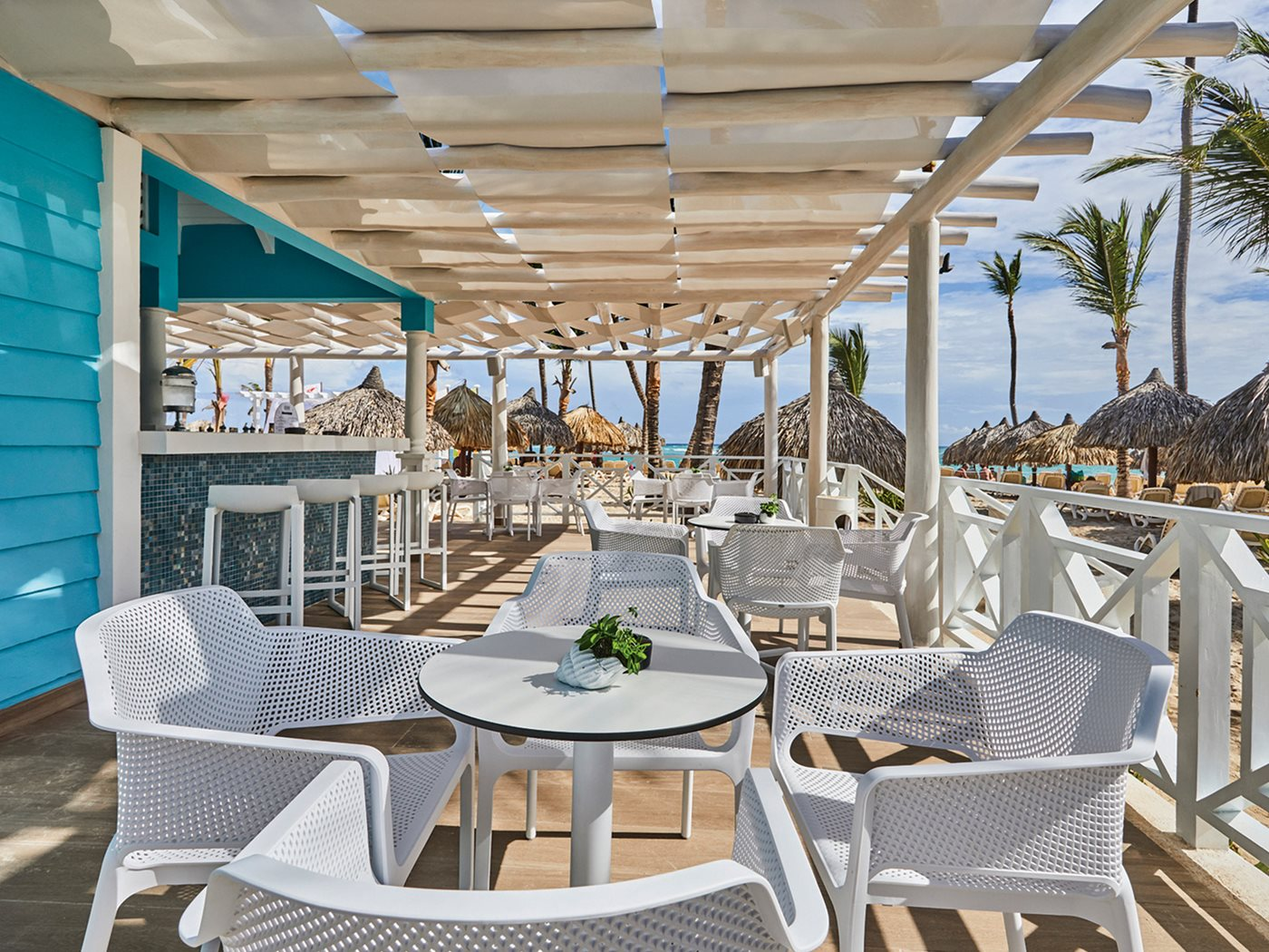 Luxury-Bahia-Principe-Ambar-Bar-003-Arrecife.jpeg