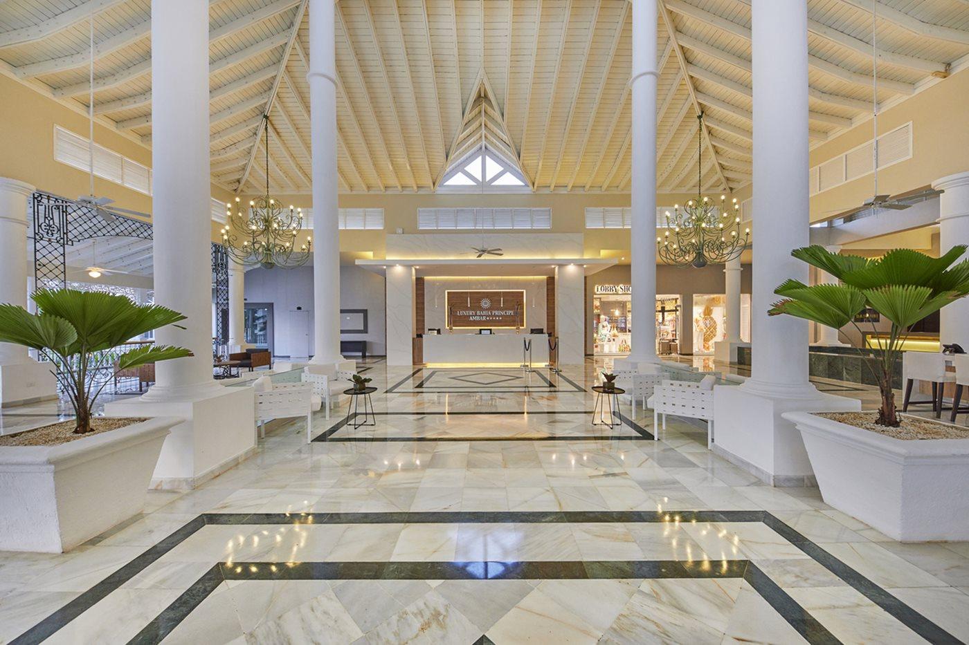 Luxury-Bahia-Principe-Ambar-Lobby-002.jpeg