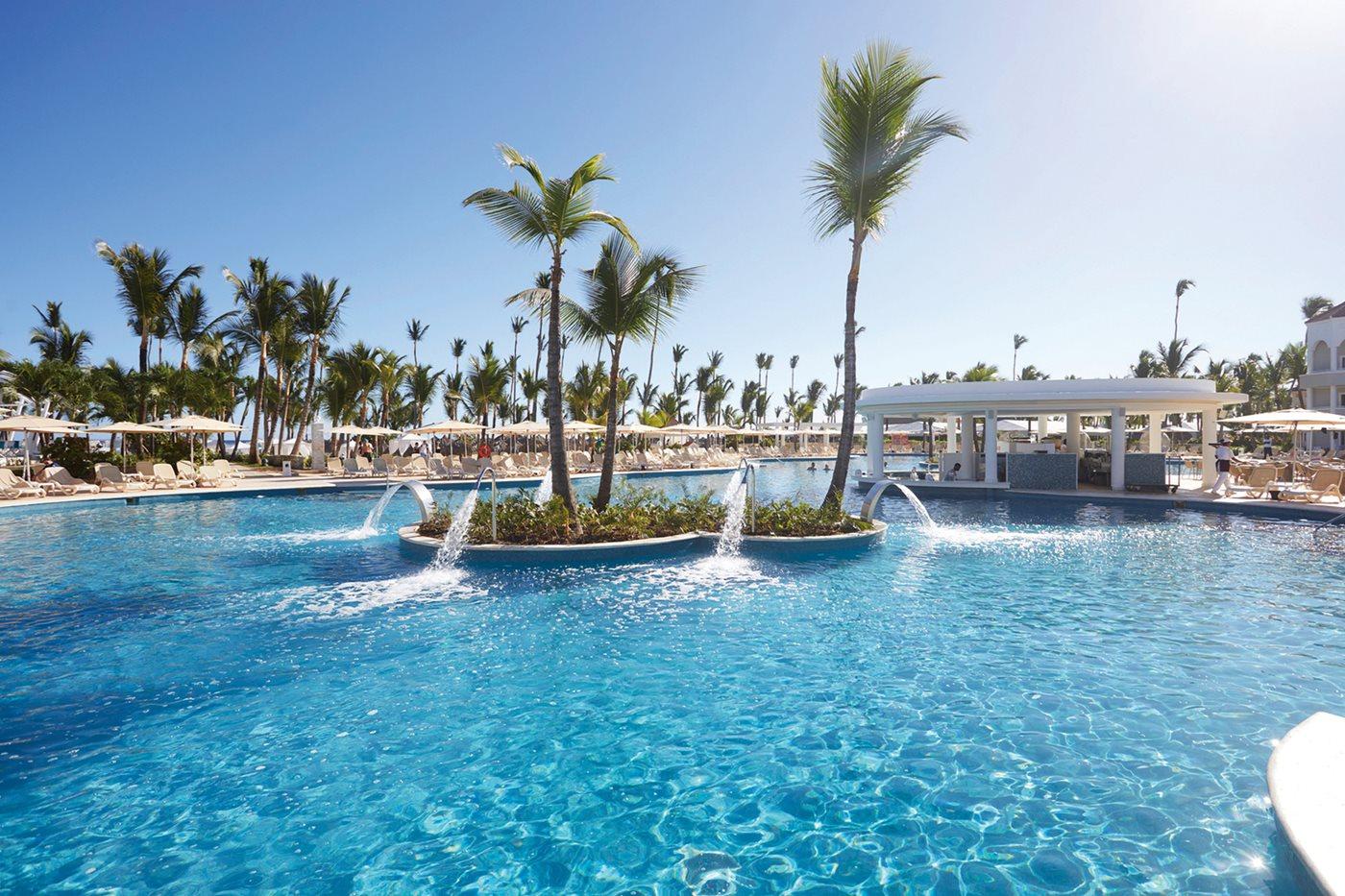 Luxury-Bahia-Principe-Ambar-Pool-002.jpeg
