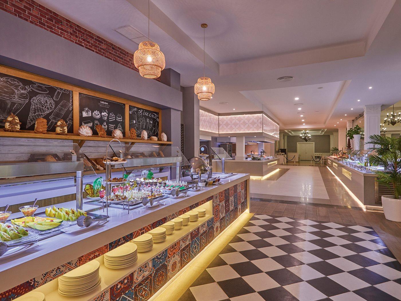 Luxury-Bahia-Principe-Ambar-Restaurant-002-Palmira.jpeg