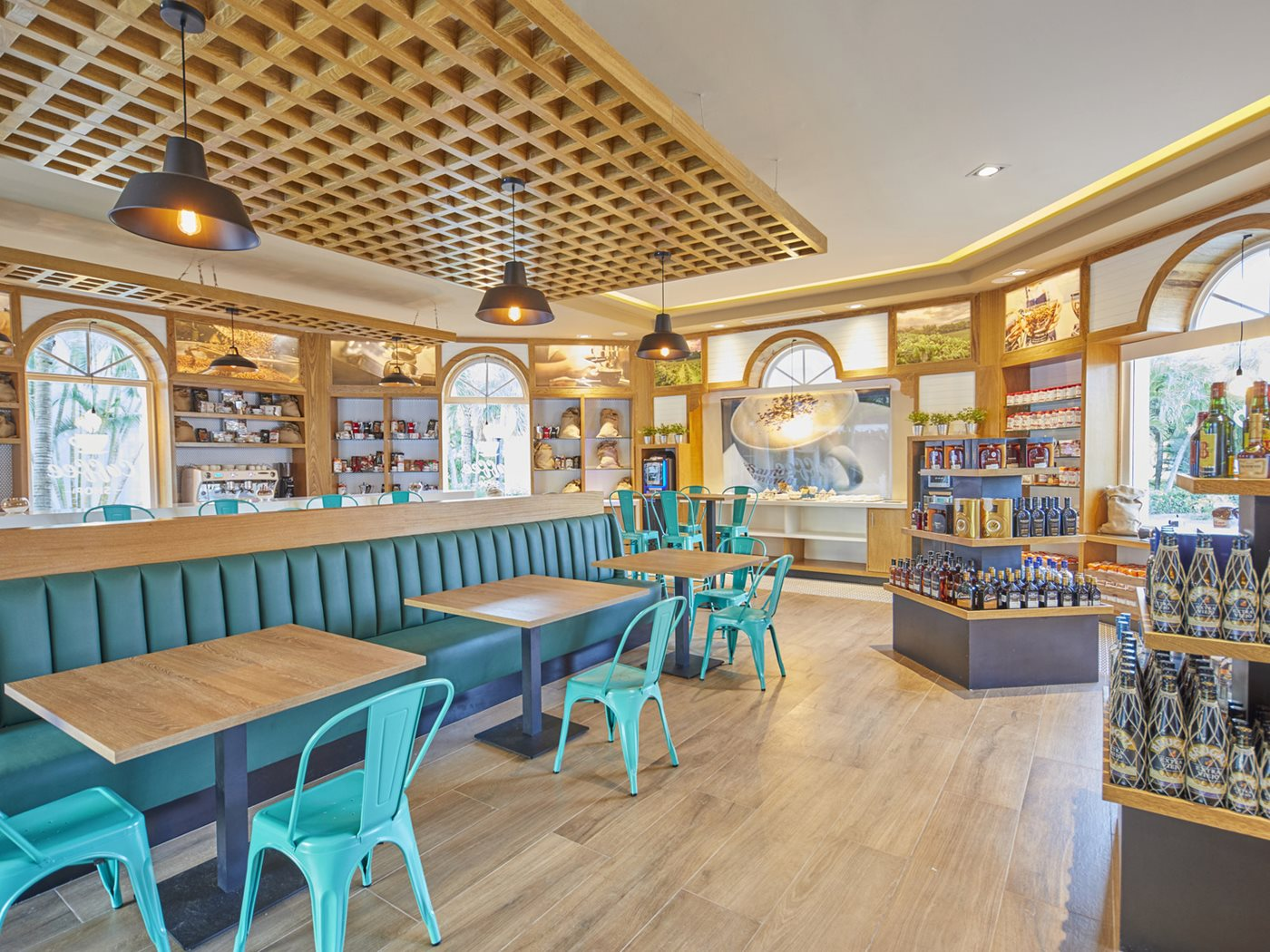 PUJ-Luxury-Bahia-Principe-Ambar-Bar-Coffee-Shop-001.jpeg