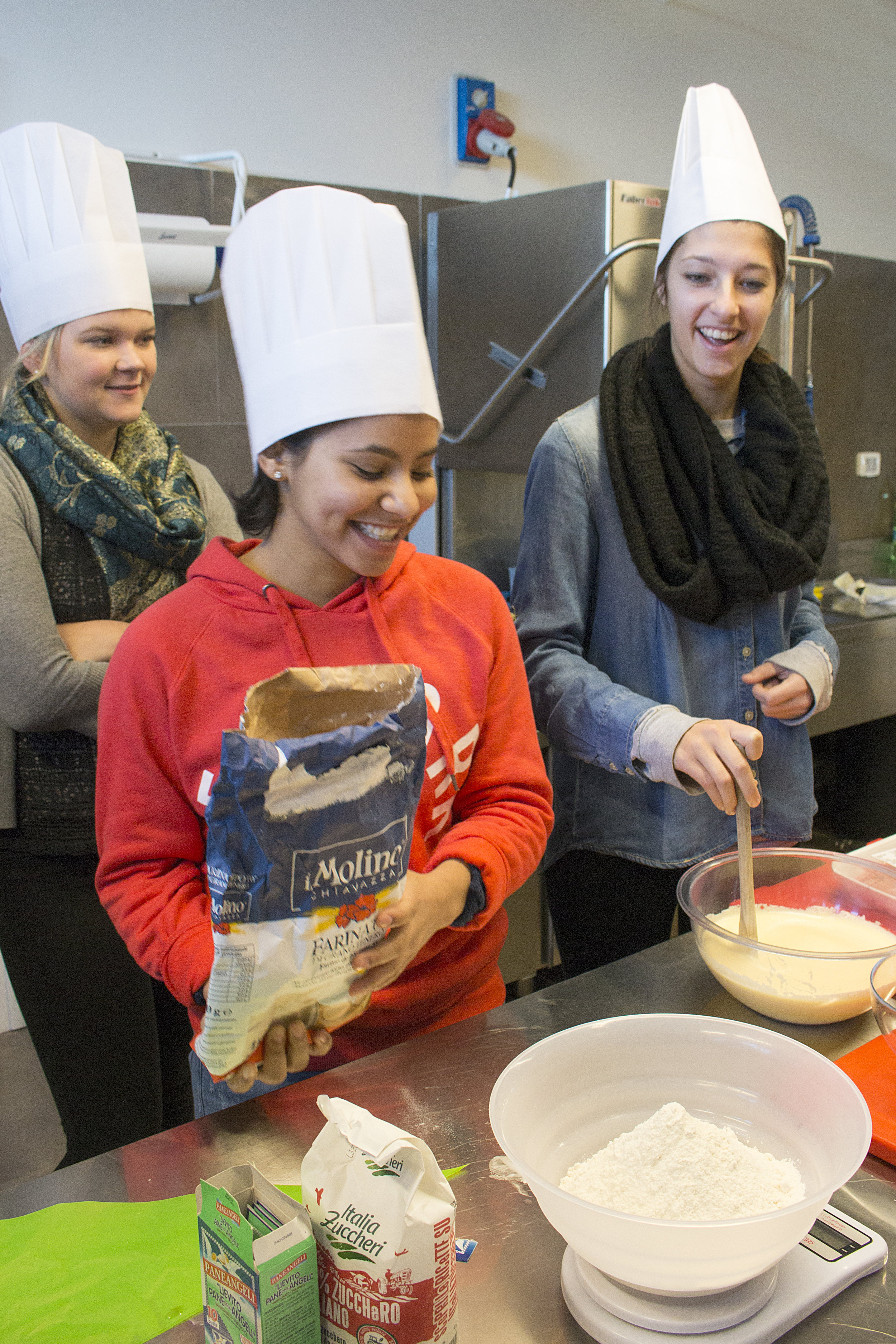 Hayley, Tiffany and Shelby in the Italian Cuisine class.