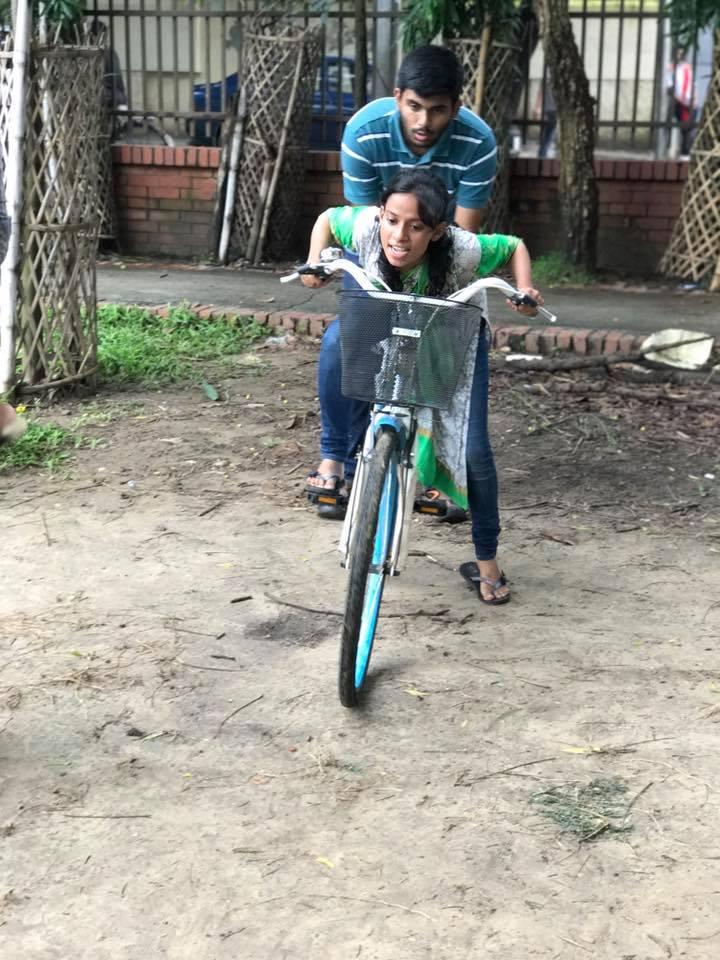 Zaiba bike lessons 3.jpg