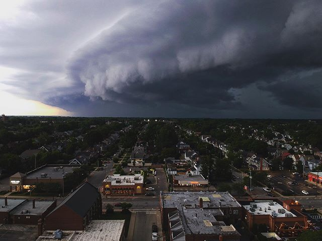 #clevelandweather moving in. Got the bird out of the air just in time..🌀🌀🌀 . . . . . #drone #dronestagram #djispark #dji #aerial #weather #thisiscle