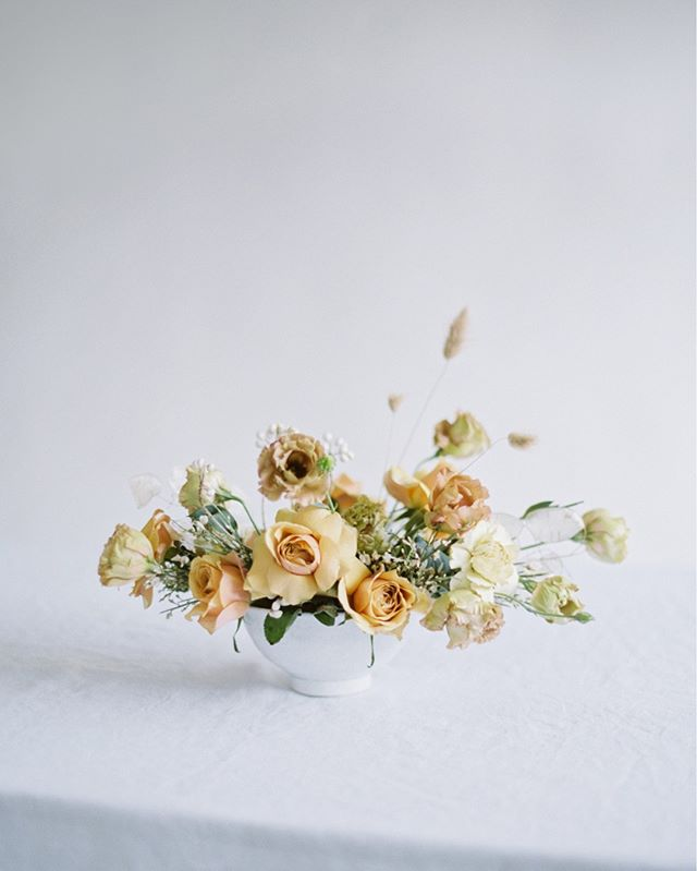 """For the artist, the color, the bouquet, the tinkling of the spoon on the saucer, are things in the highest degree. He stops at the quality of the sound or the form. He returns to it constantly and is enchanted with it."" - Jean-Paul Sartre⠀⠀⠀⠀⠀⠀⠀⠀⠀ .⠀⠀⠀⠀⠀⠀⠀⠀⠀ .⠀⠀⠀⠀⠀⠀⠀⠀⠀ Photography @betsyblue ⠀⠀⠀⠀⠀⠀⠀⠀⠀ Florals @thebloomandco⠀⠀⠀⠀⠀⠀⠀⠀⠀ Table Linen @pigletinbed⠀⠀⠀⠀⠀⠀⠀⠀⠀ .⠀⠀⠀⠀⠀⠀⠀⠀⠀ .⠀⠀⠀⠀⠀⠀⠀⠀⠀ #bridal #floraldesign #weddingstyle #spring #bride #bridalgown #lovely #eventplanner #weddingplanner #blooms #weddingdetails #flowerstagram #flowersofinstagram #flowersoftheday #bouquet #fineartwedding #blooms #bridal #bridalbouquet #brides #wedding #weddingflowers #weddinginspiration #weddinginspo #oregonwedding #californiawedding #weddingplanner #weddingplanning #prettylittlething"