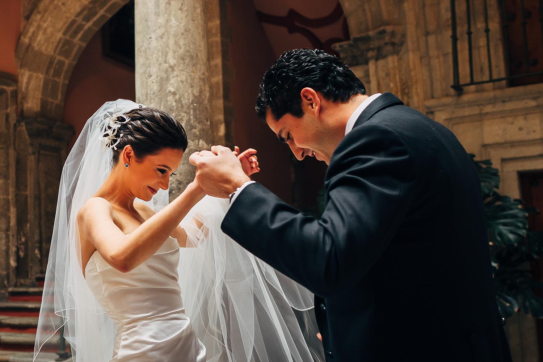 boda-colegio-vizcainas-mexico-wedding-photographer (1).jpg