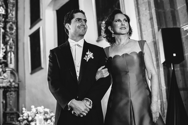 boda-colegio-vizcainas-mexico-wedding-photographer (6).jpg