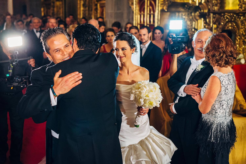 boda-colegio-vizcainas-mexico-wedding-photographer (8).jpg
