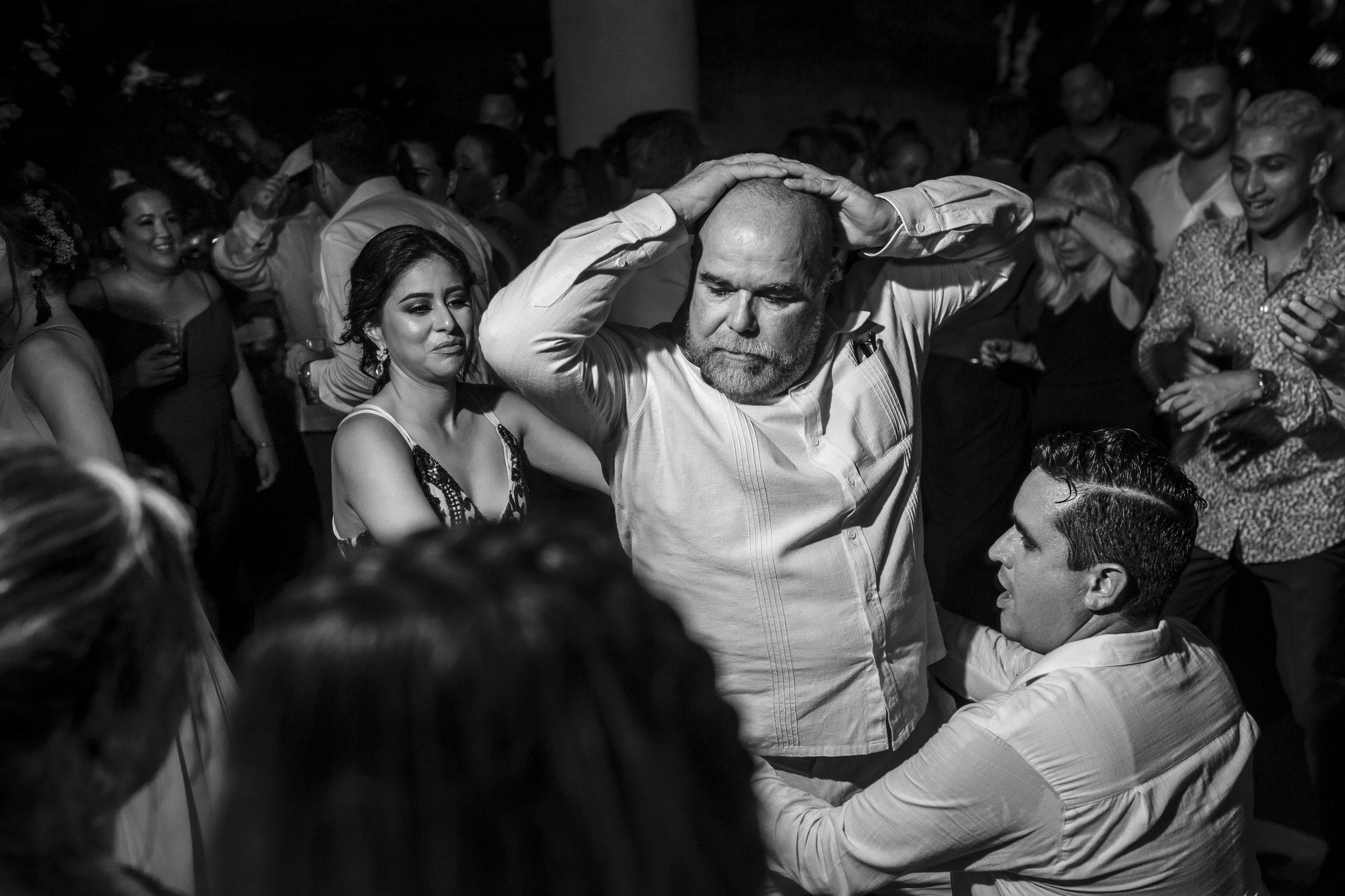 cancun_wedding_photographer_mexico (22).jpg