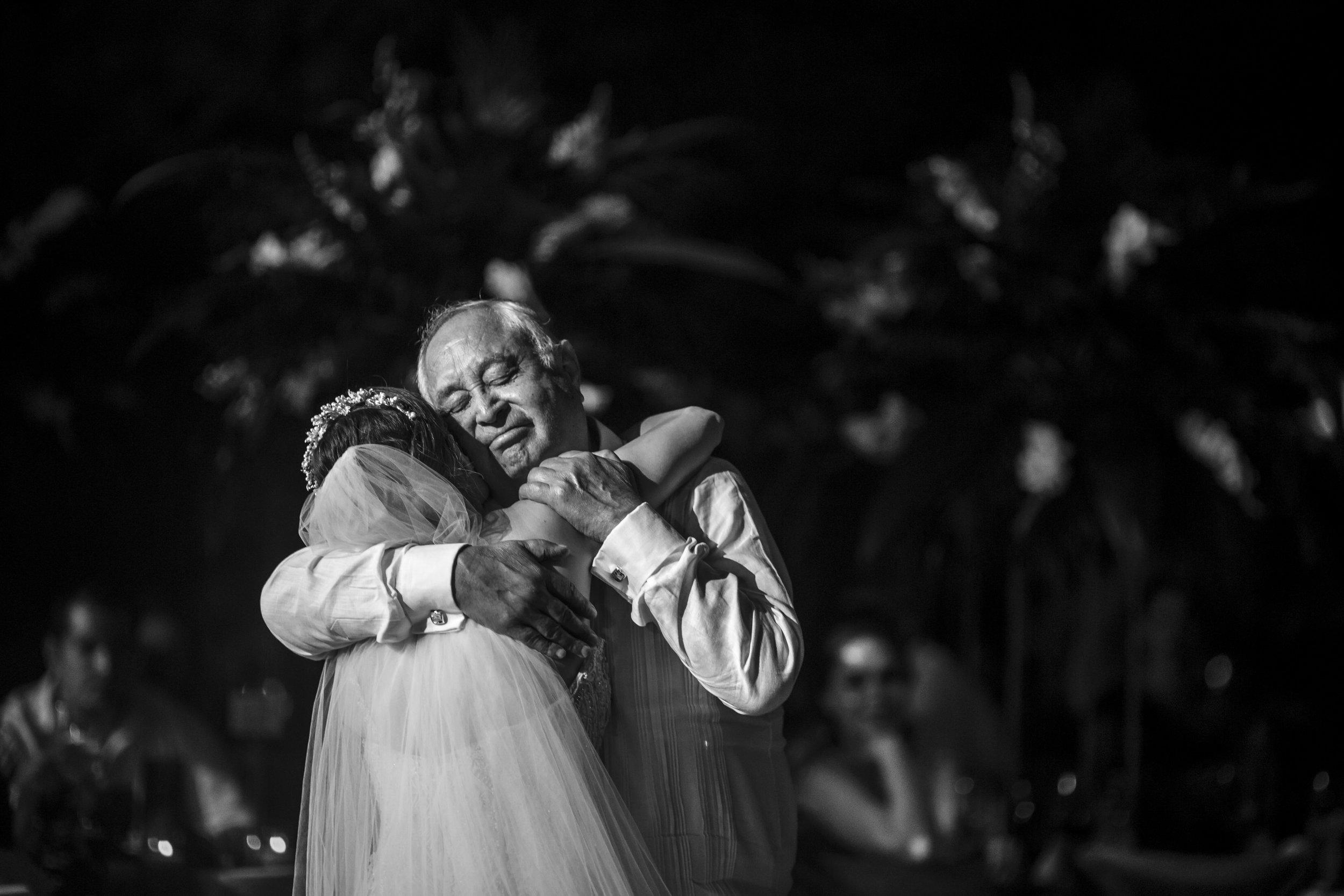 cancun_wedding_photographer_mexico (40).jpg