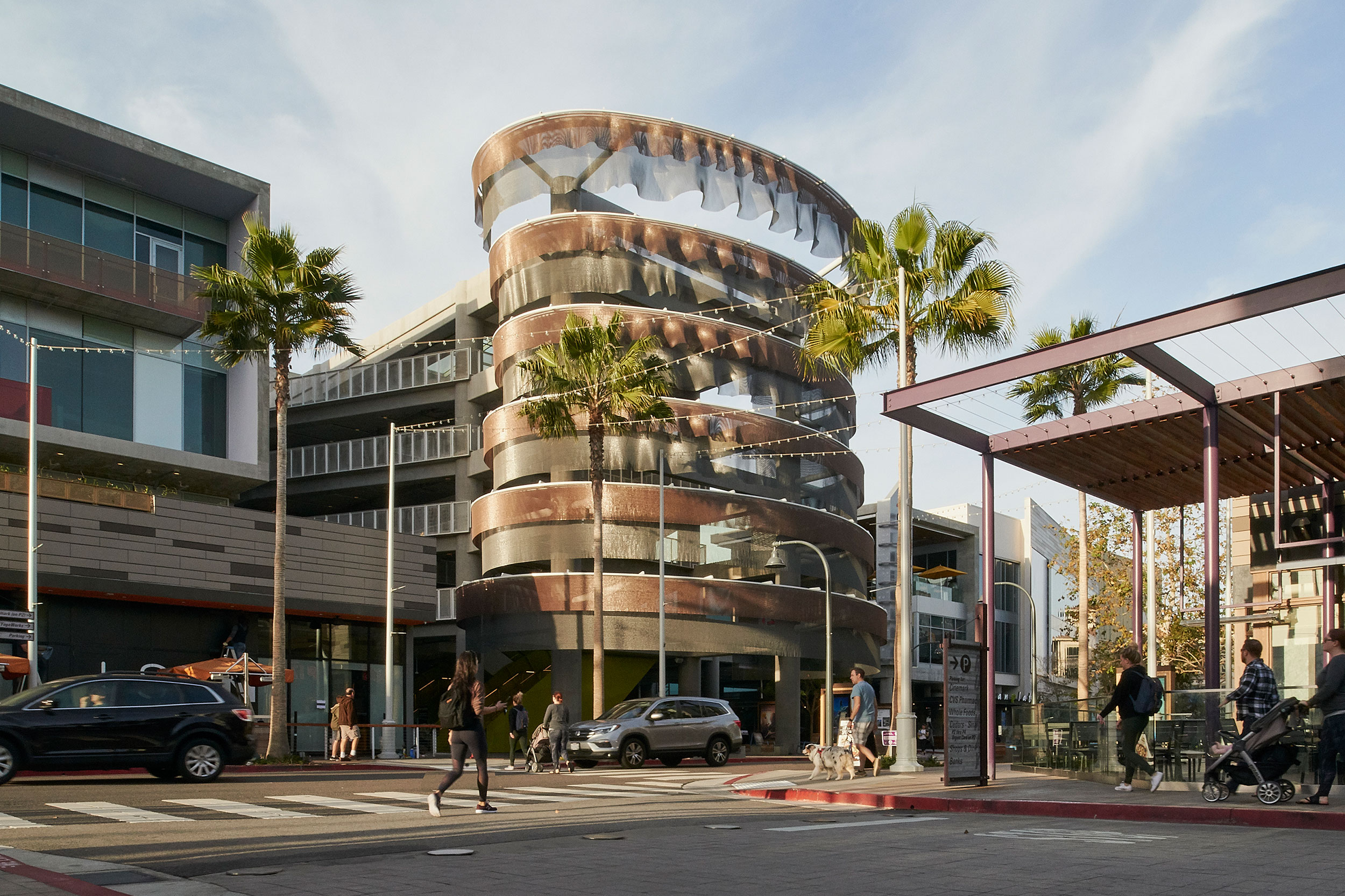 Kaynemaile Armour Kinetic Carpark Facade designed by Ned Kahn in Playa Vista, Los Angeles.  Photography  by  Fred L'Ami