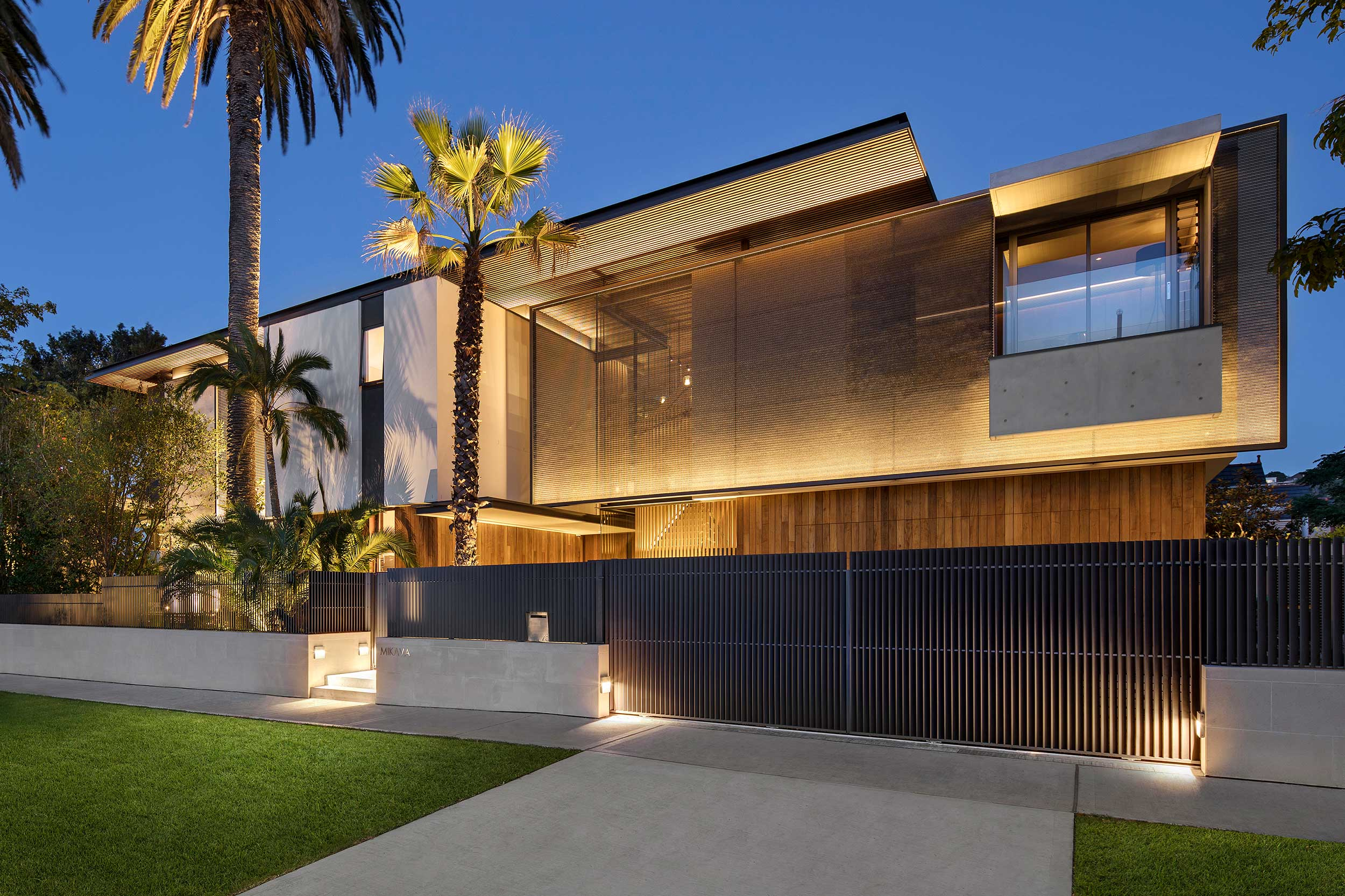 Solar and privacy screening for Double Bay, Sydney residence.  Photography  by  Adam Letch     Reseller   Austaron