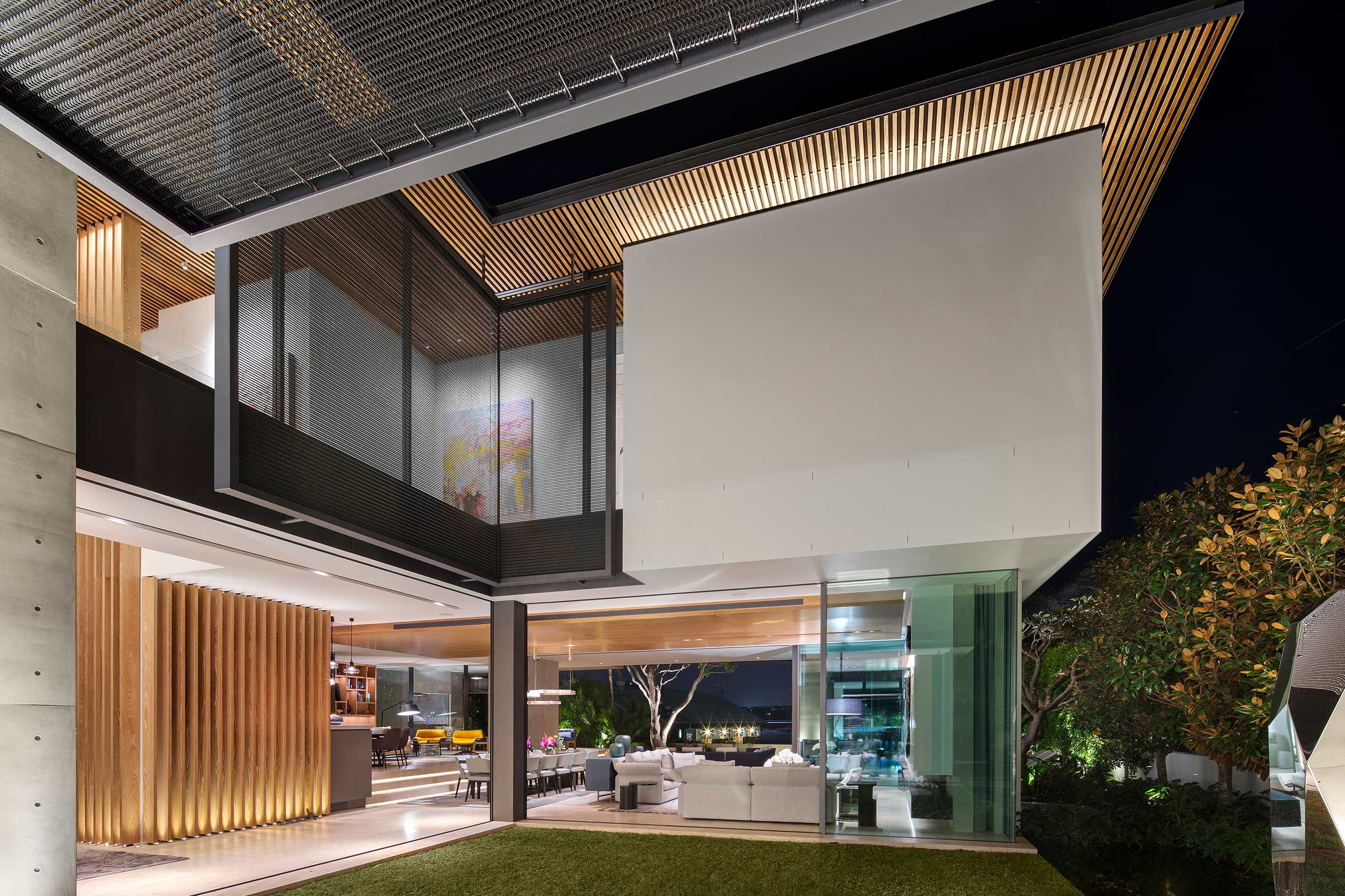 Kaynemaile-Armour solar screening for Double Bay home