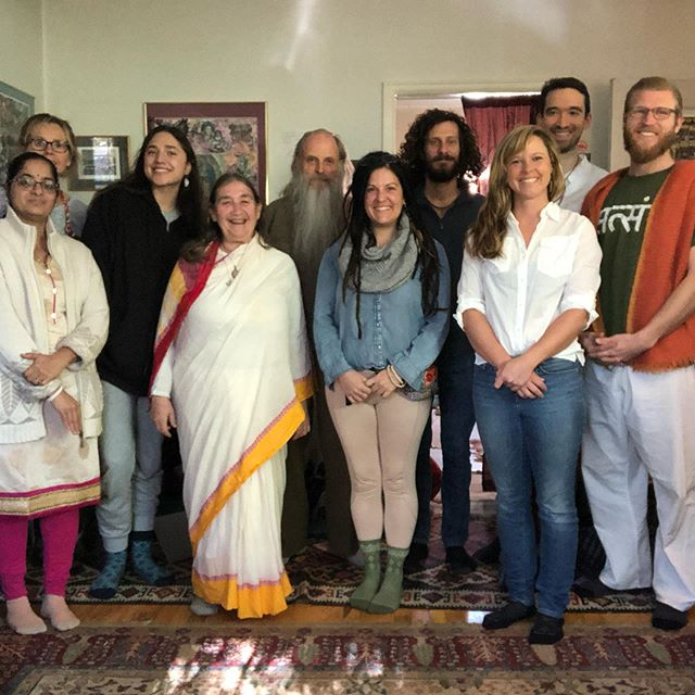 Happy National Āyurveda Day from the Alandi Ashram GuruKula! . Book an āyurvedic clinical consultation (link in bio) to get in on the ancient magic that is āyurveda! . #ayurveda #holisticmedicine #complementarymedicine #balance #ayurvedicmedicine #wellness