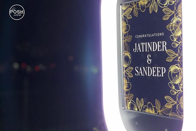 How gorgeous is this custom start screen for Jatinder & Sandeep's engagement?! The Bella booth was a hit last night! 📸