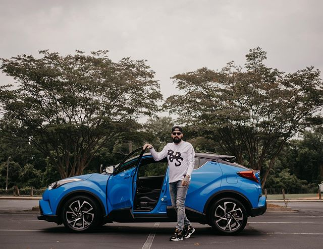 Leave tonight or live and die this way Music Vibes: Tracy Chapman - Fast Car @toyota ✖️ @toyotausa ✖️ @toyotaracing #TOYOTA #CHR #LetsGoPlaces #BlueCar 📸: @thewilltaylor