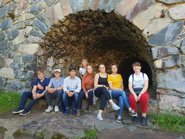 I denne uge har Kathrine og Sofie været afsted til generalforsamling i Nordic School Student Network. Her har de diskuteret fremtiden i netværket, vedtægter, og valgt ny Coordination Committee. På billedet er der repræsentanter fra Danske EEO, norske EO og finske OSKU