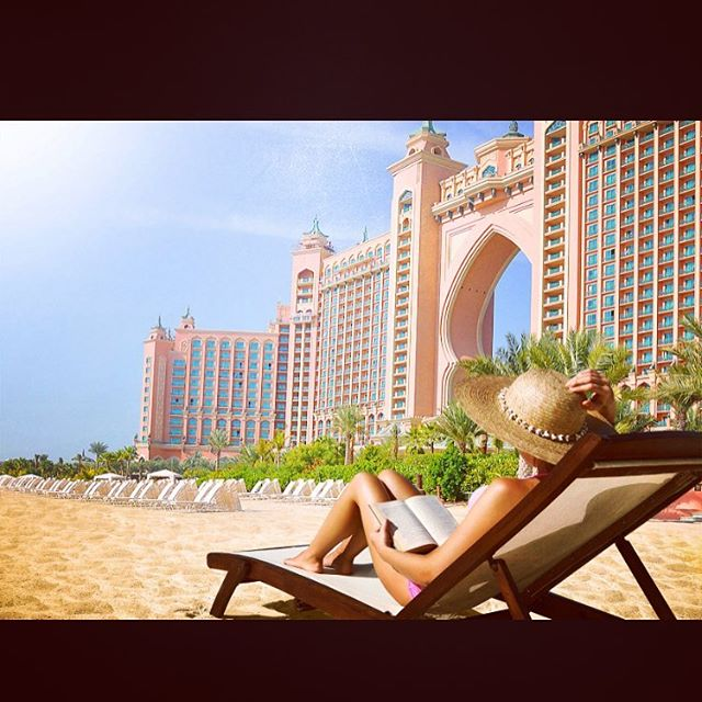 On this wet rainy day I'm thinking of lying on this beach in December 😍 I still have a couple of slots from now till December, if you've not yet booked your hair then message me on 07411763918 #dubai #atlantisthepalm #wintersun #hairstylist #hairlife #dubaiaustralia2016