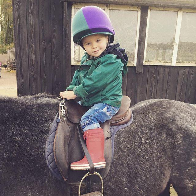 Hugo's dream come true, he's finally rode on s horse ☺️🐴💙