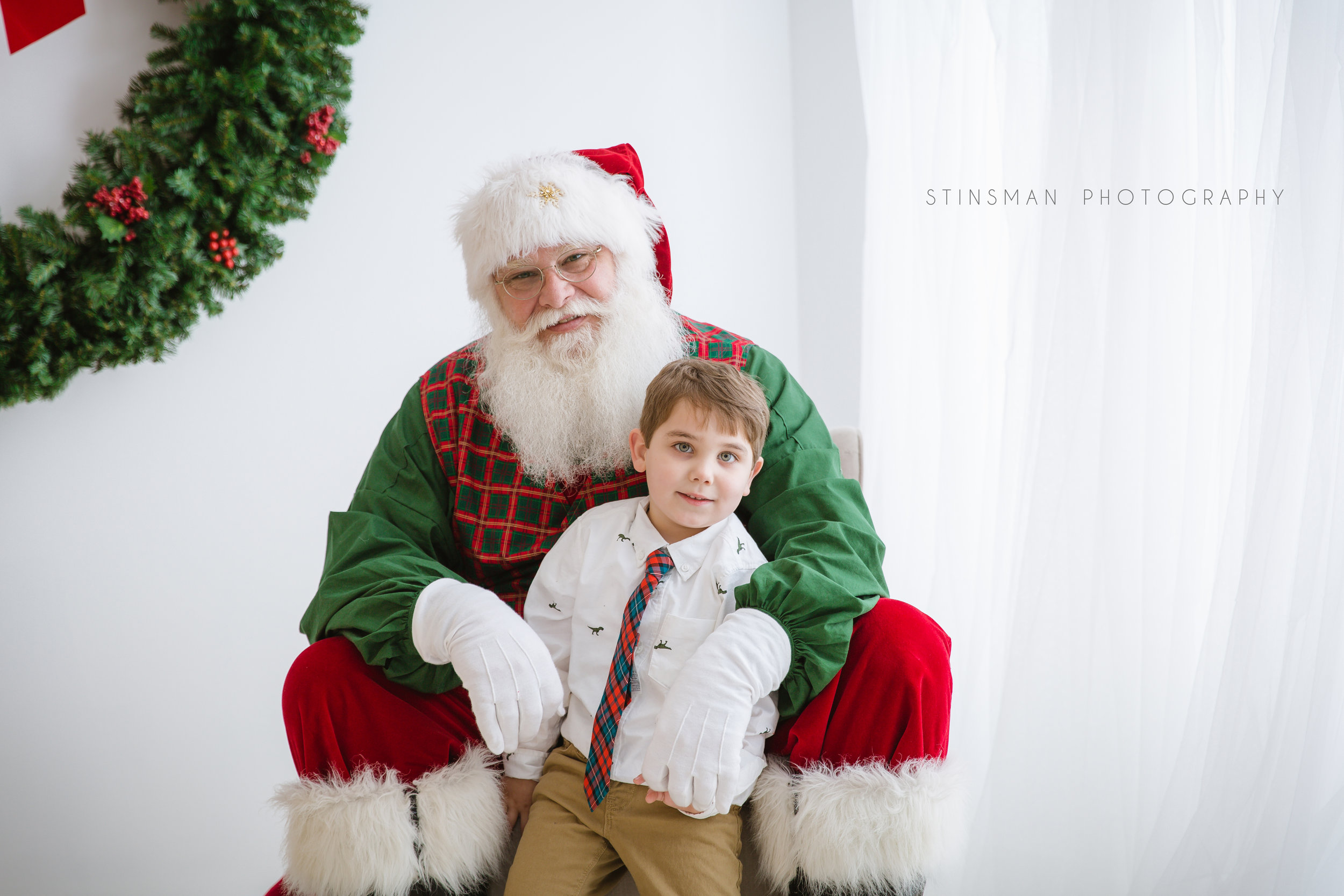 5 year old boy loved Santa at burlington new jersey studio