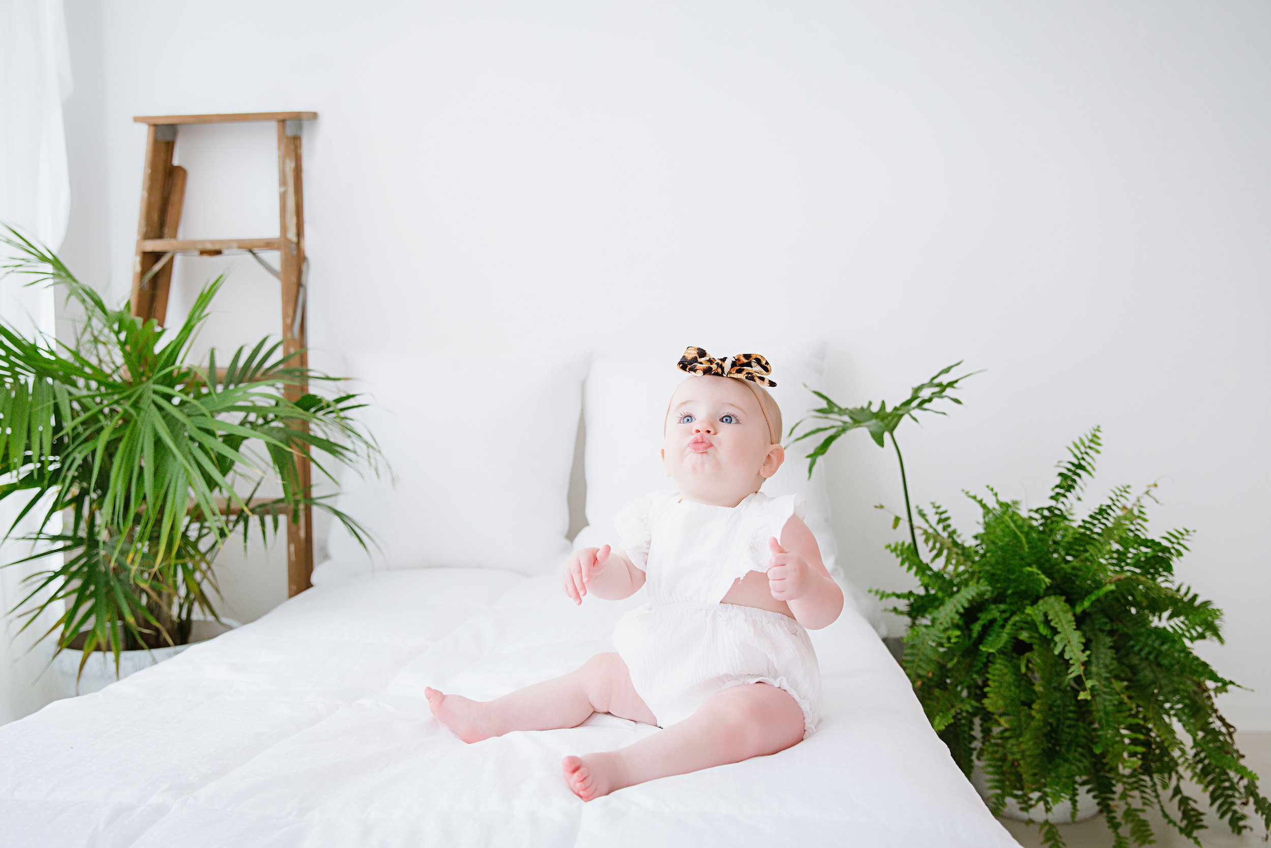 first-birthday-girl-photo-shoot-studio-burlington-new-jersey