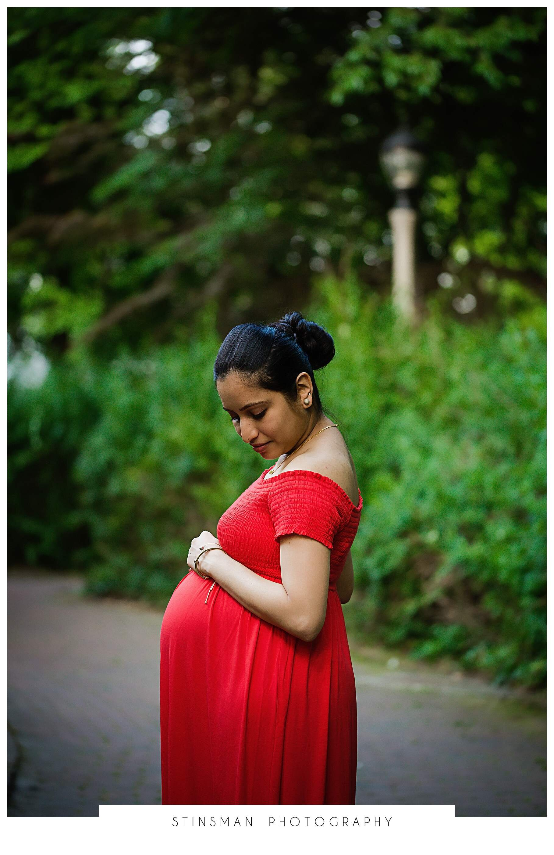 indian mother 7 months pregnant