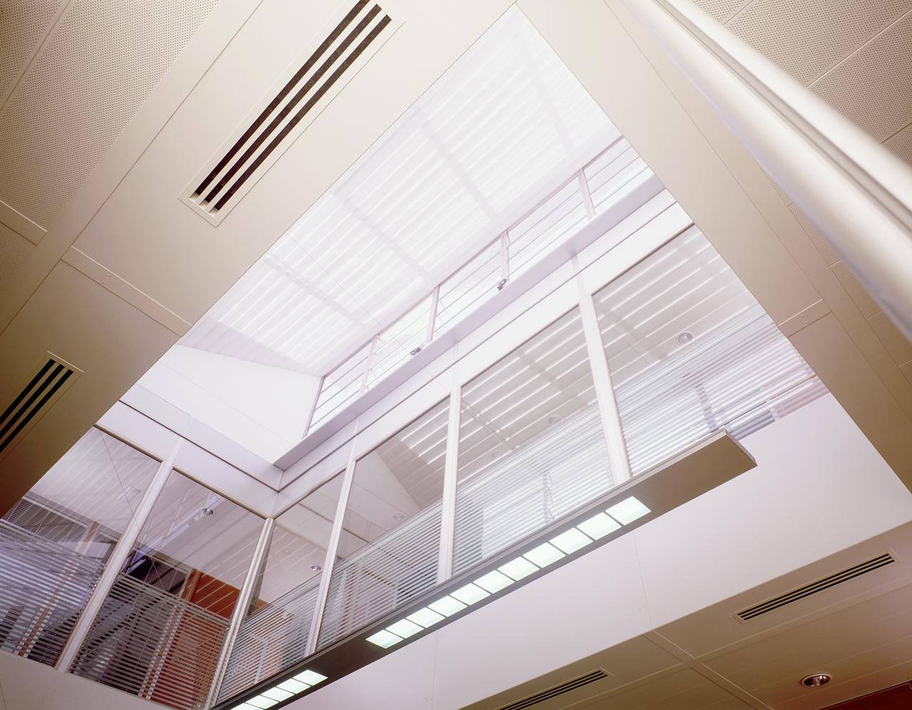 Correa + Estevez Arquitectura - Sede Gestur Tenerife 06.jpg