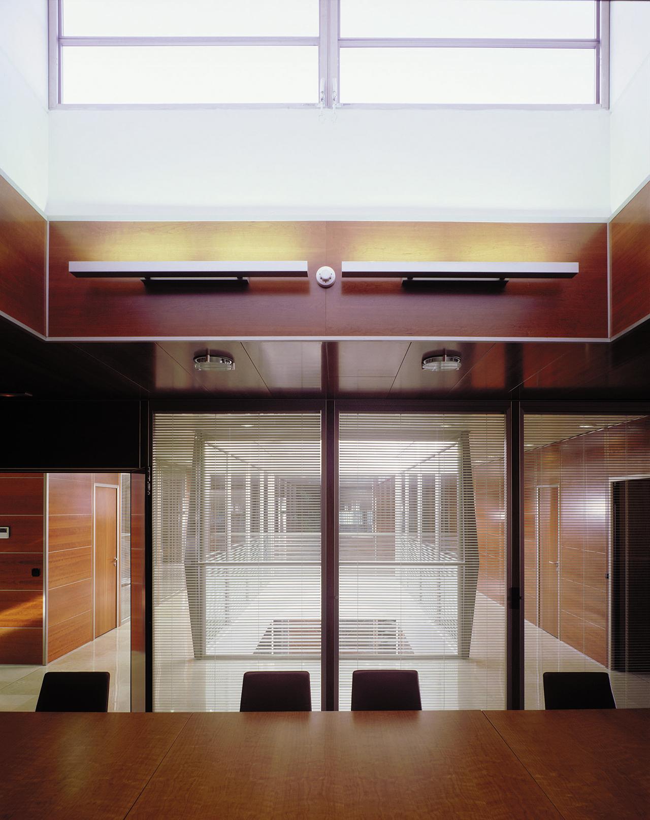 Correa + Estevez Arquitectura - Sede Gestur Tenerife 09.jpg