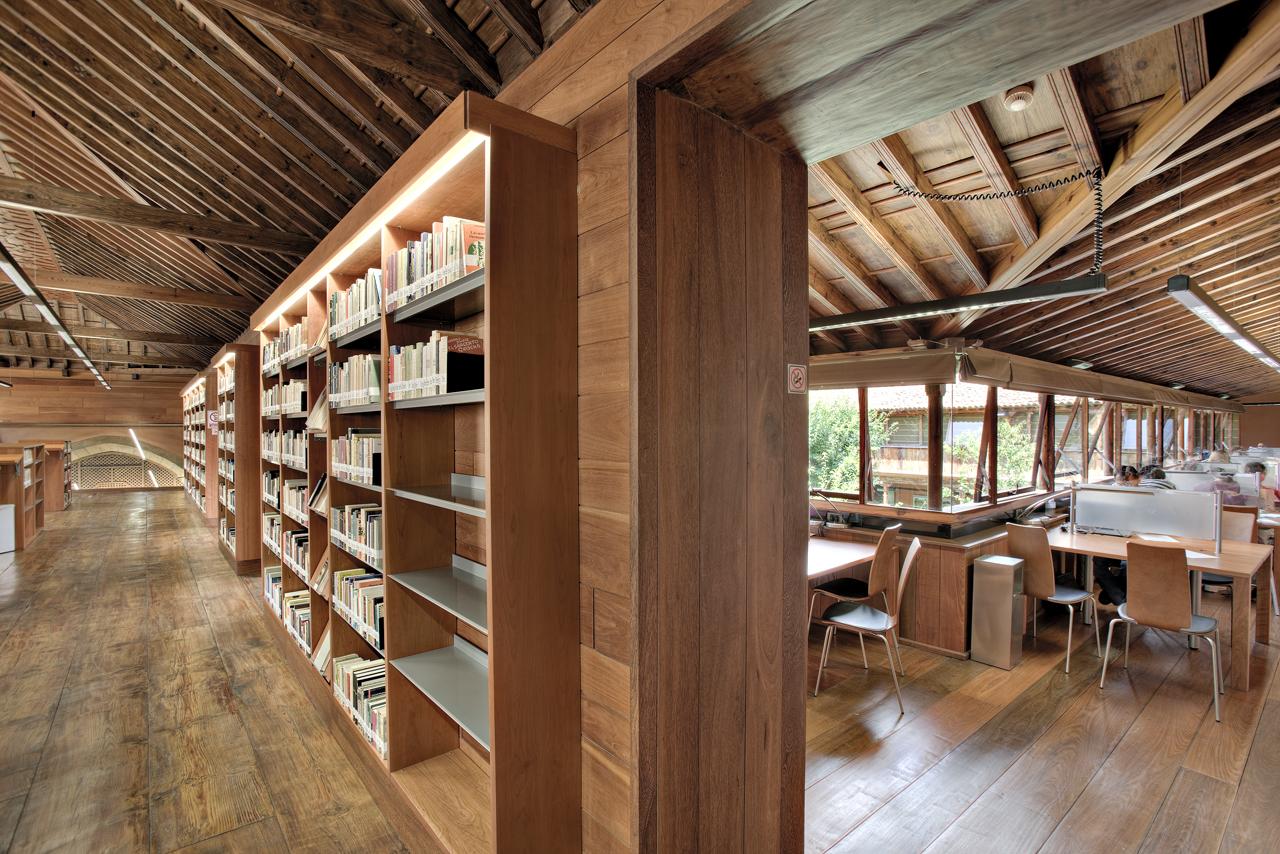 Correa EstÇvez Arquitectura - Biblioteca Insular Adri†n Aleman 08.JPG