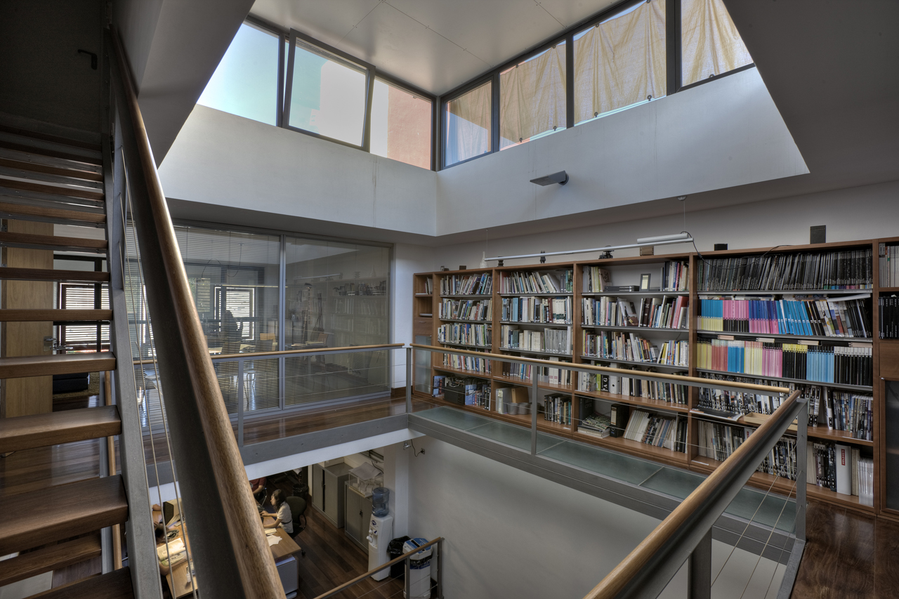 Correa + Estévez Arquitectura - Estudio Propio 04.jpg