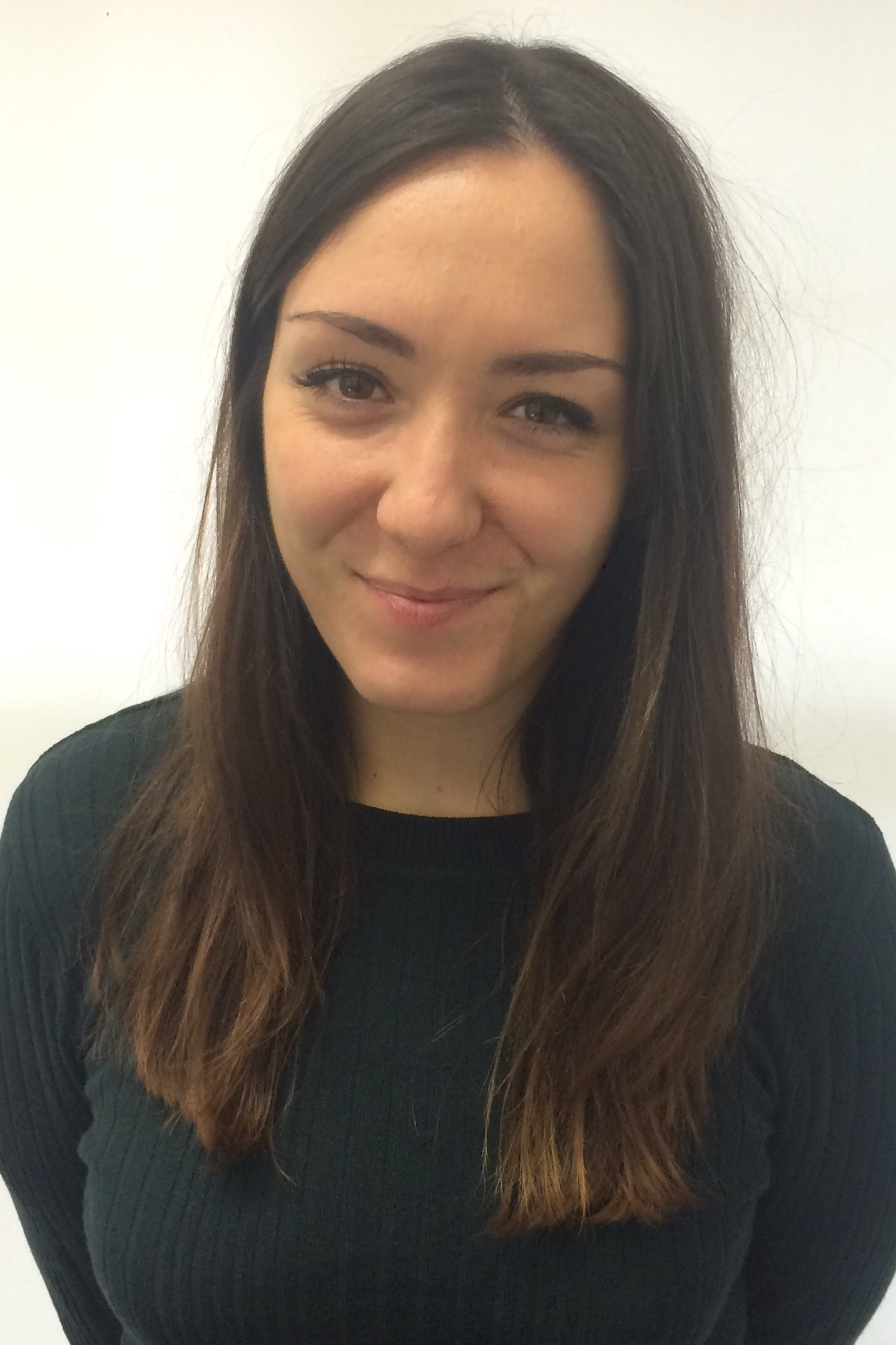 Roya ZeinaliLondon Assistant Director - Roya joined the EUSA London team in 2016. No stranger to travel, after completing her BA in History and Politics and Masters in Business Management (Marketing), Roya took a year off to travel and completed a ski season in France.