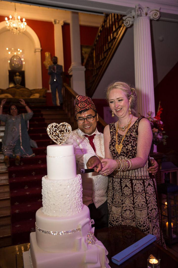 IMG_3107.jpgMichelle & David Radisson Blu hotel & Spa Limerick Wedding reception 4.8.2018. Cutting the cake