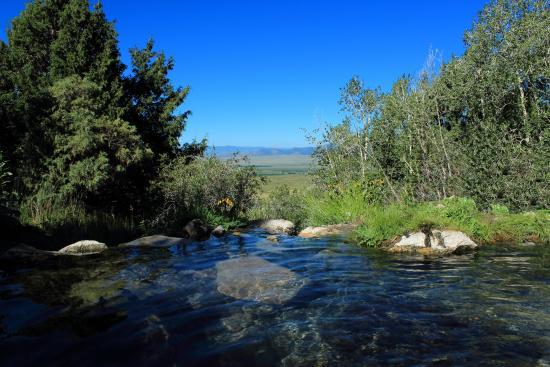 valley-view-hot-springs.jpg