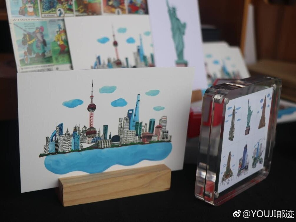 LULU x Youji Postcard  Lulu's Illustration Collaborated with Youji Postcard was displayed at China Art Palace BMW event at Shanghai China at December 2018.