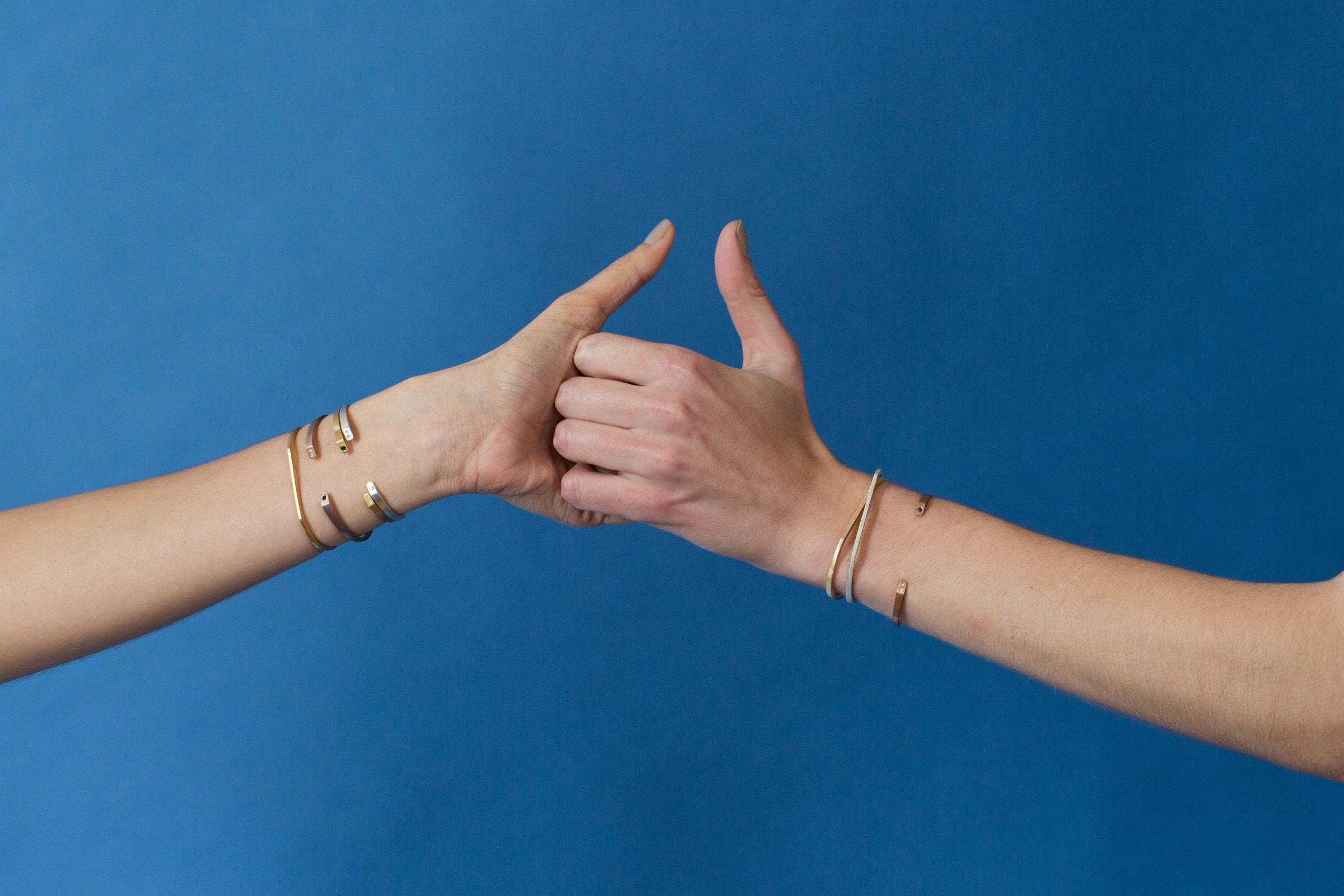 OTEM New York Signature Cuff Thumb War