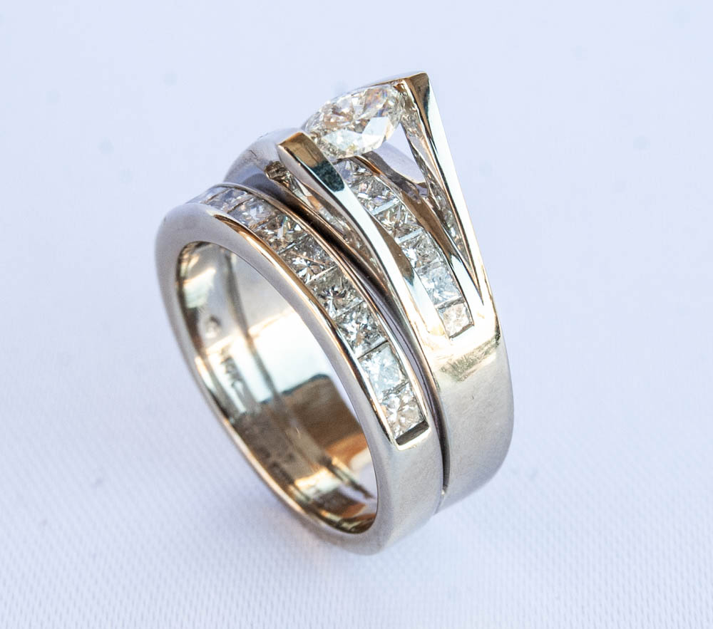 950-295 14 Karat White Gold Diamond Wedding Set Size 7 With One 0.47Ct Marquise H Si1 Diamond And 21=1.26Tw Princess H/I Si1 Diamonds $2,750.00