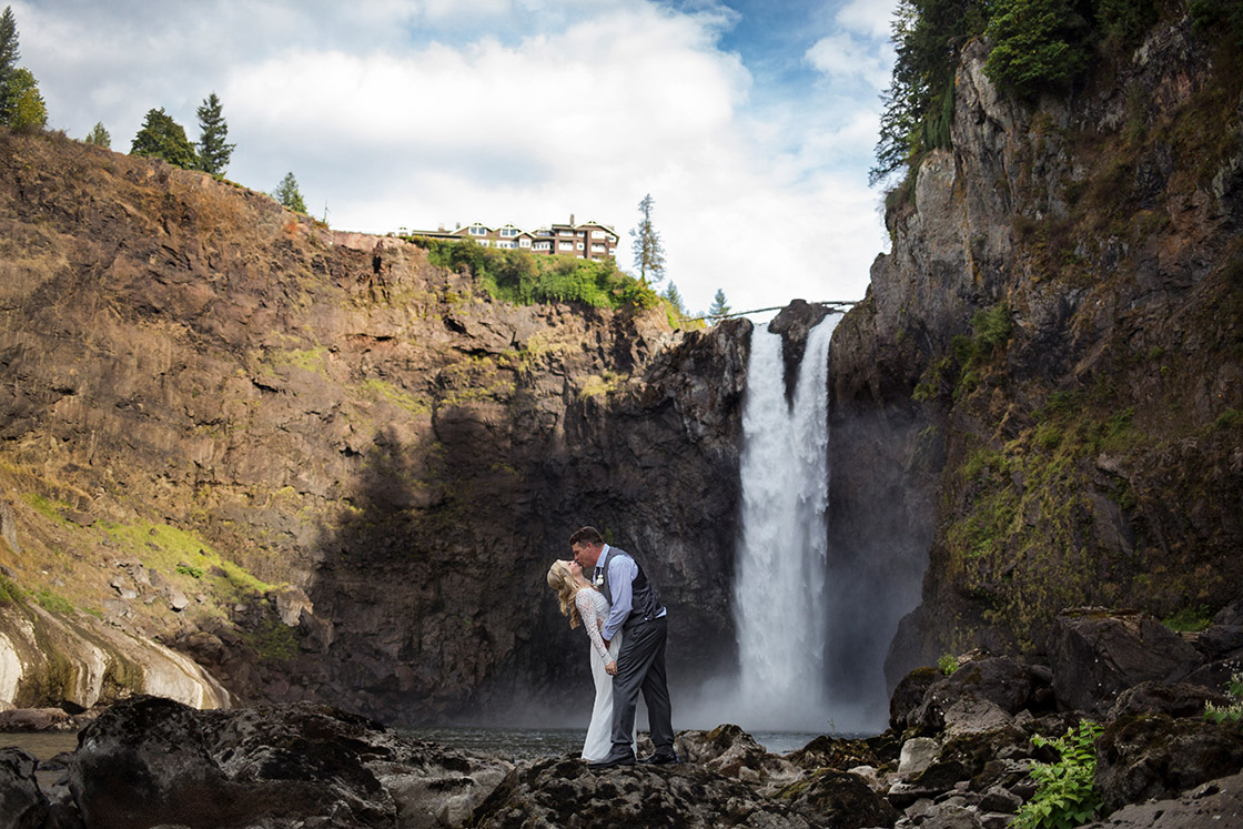 PNW Salish Lodge Snoqualmie Elopement Photographer 182.jpg
