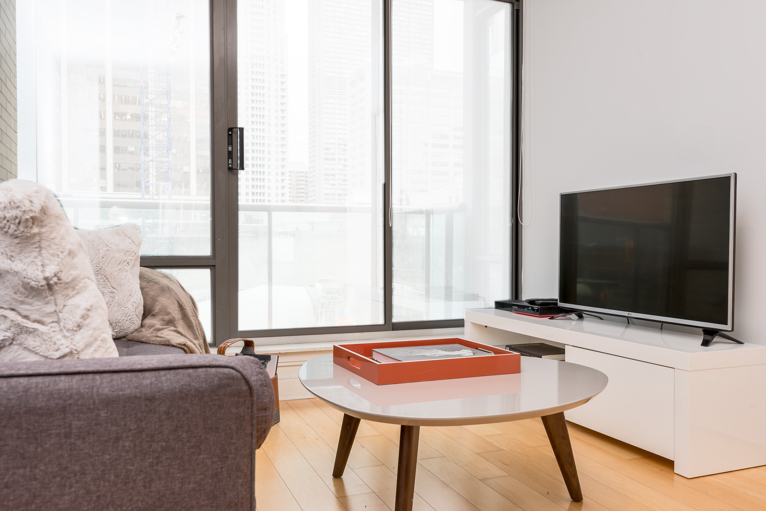 Yorkville Luxury Apartment 7.JPG