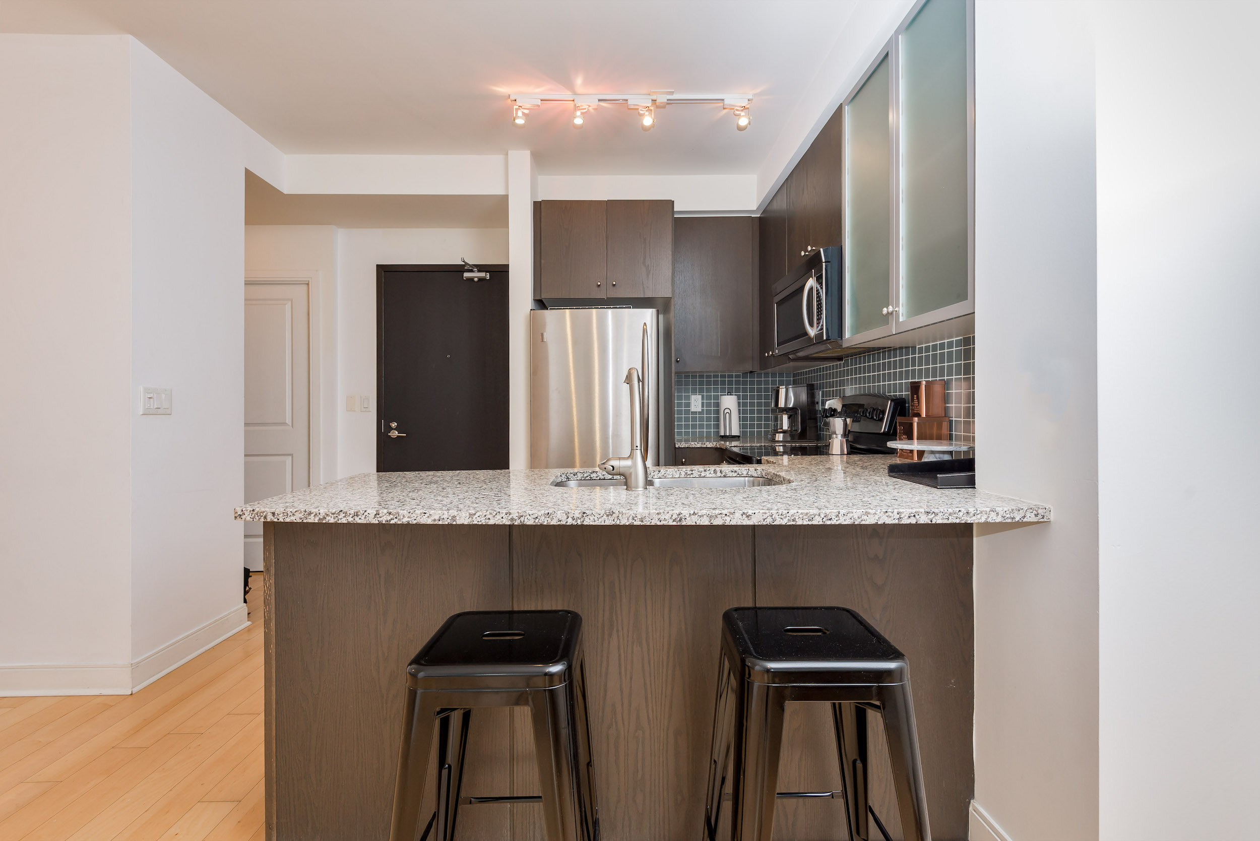Yorkville Luxury Apartment 14.JPG
