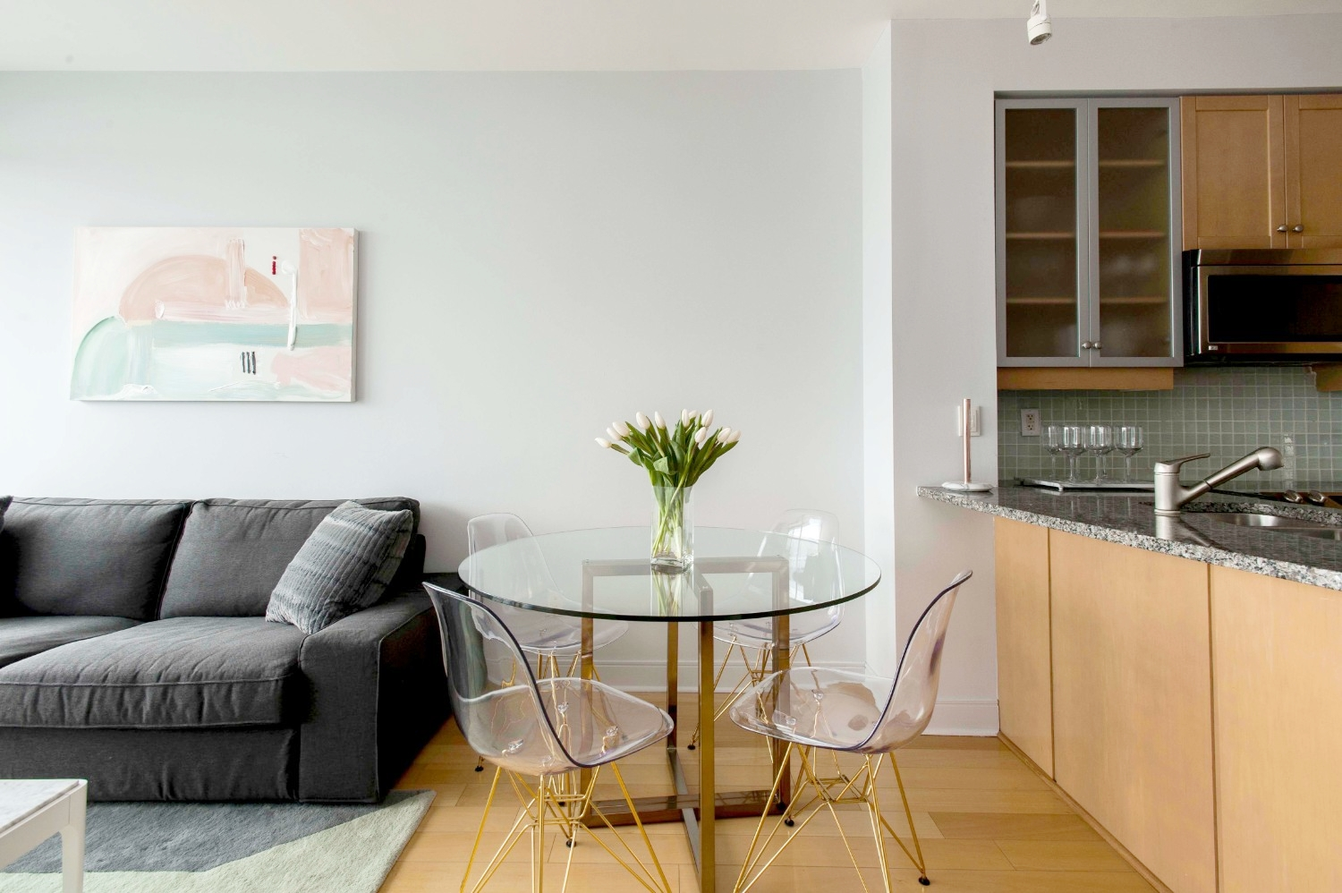 Stunning Yorkville Apartment - Dining Table