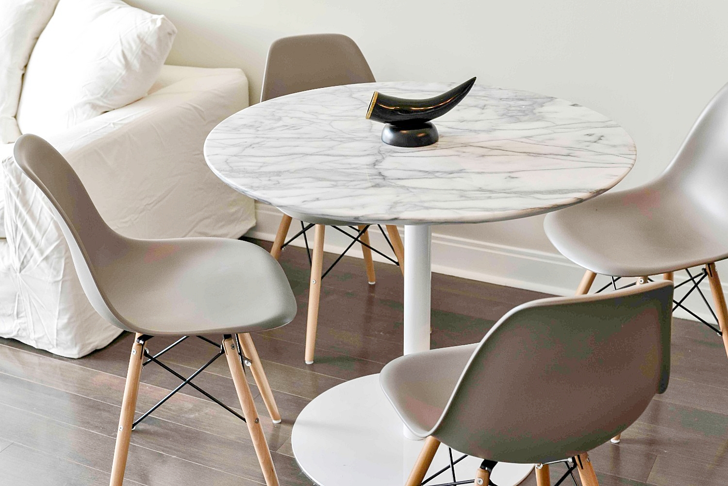 Furnished Apartments Toronto Modern Marble Table