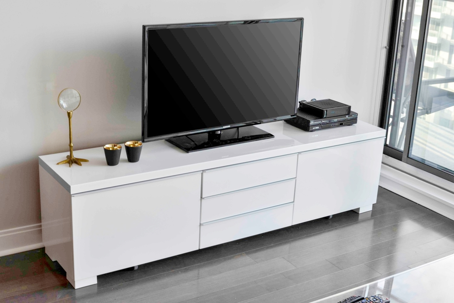Furnished Apartments Toronto Modern TV Stand