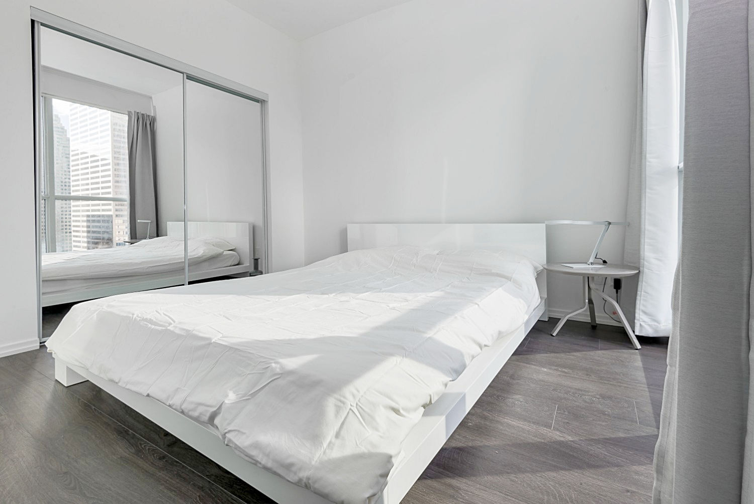 furnished apartments toronto Bedroom Luxury
