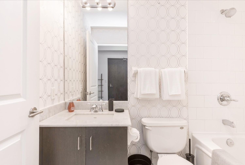 Yorkville Grand Condo - Bathroom, Shower, Bath Tub