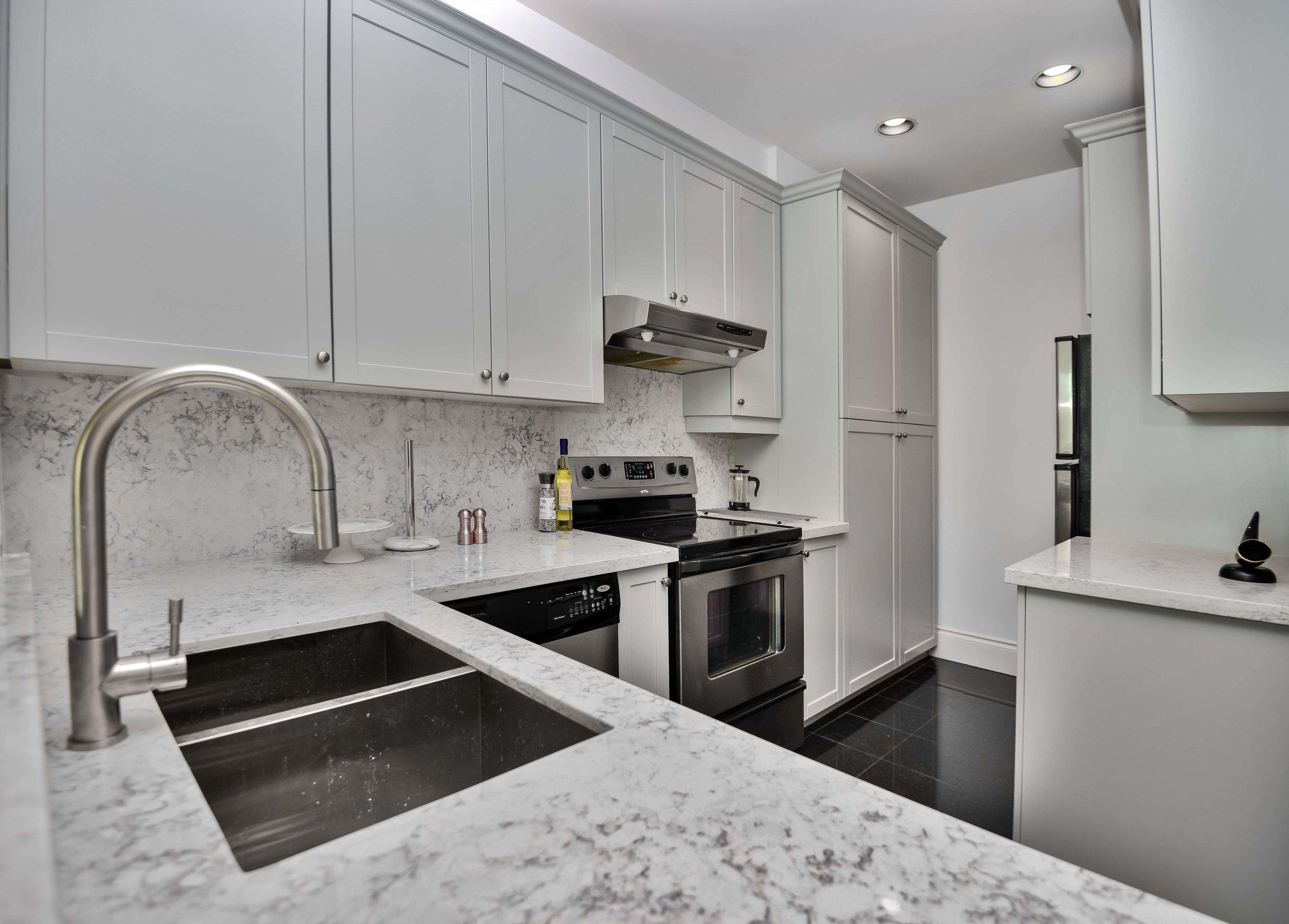 Photo tips Furnished Apartments Toronto kitchen