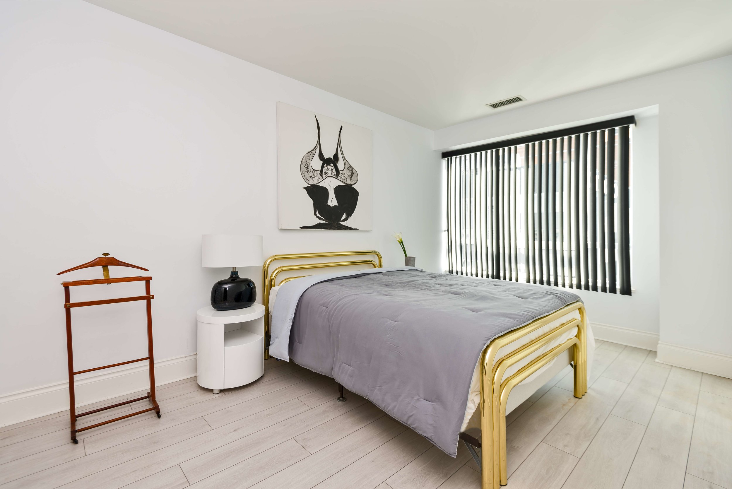 Top 10 Tips How to take photos of Furnished Apartments Toronto Bedroom