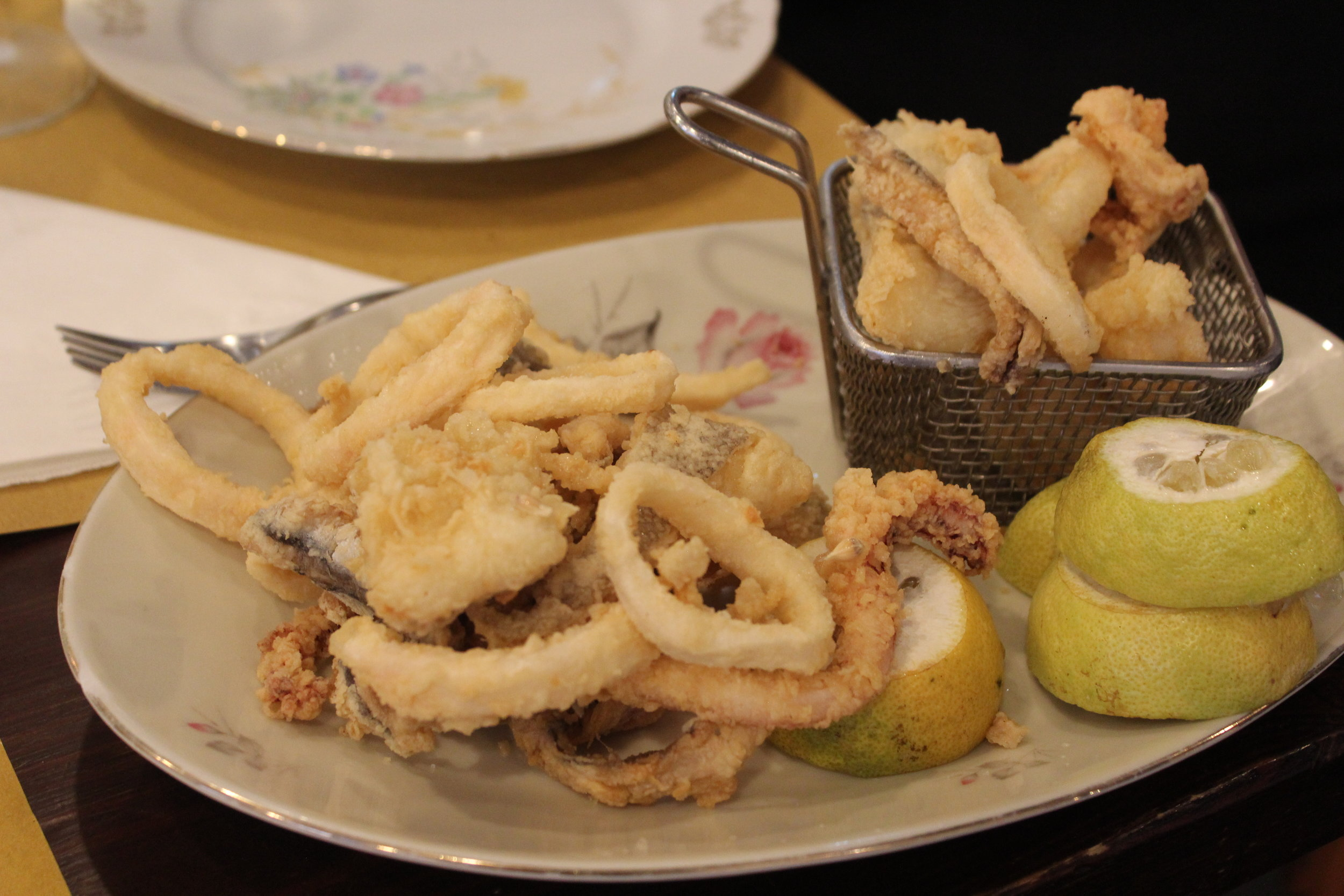 Chunks of baccalá in a classic fritto misto.
