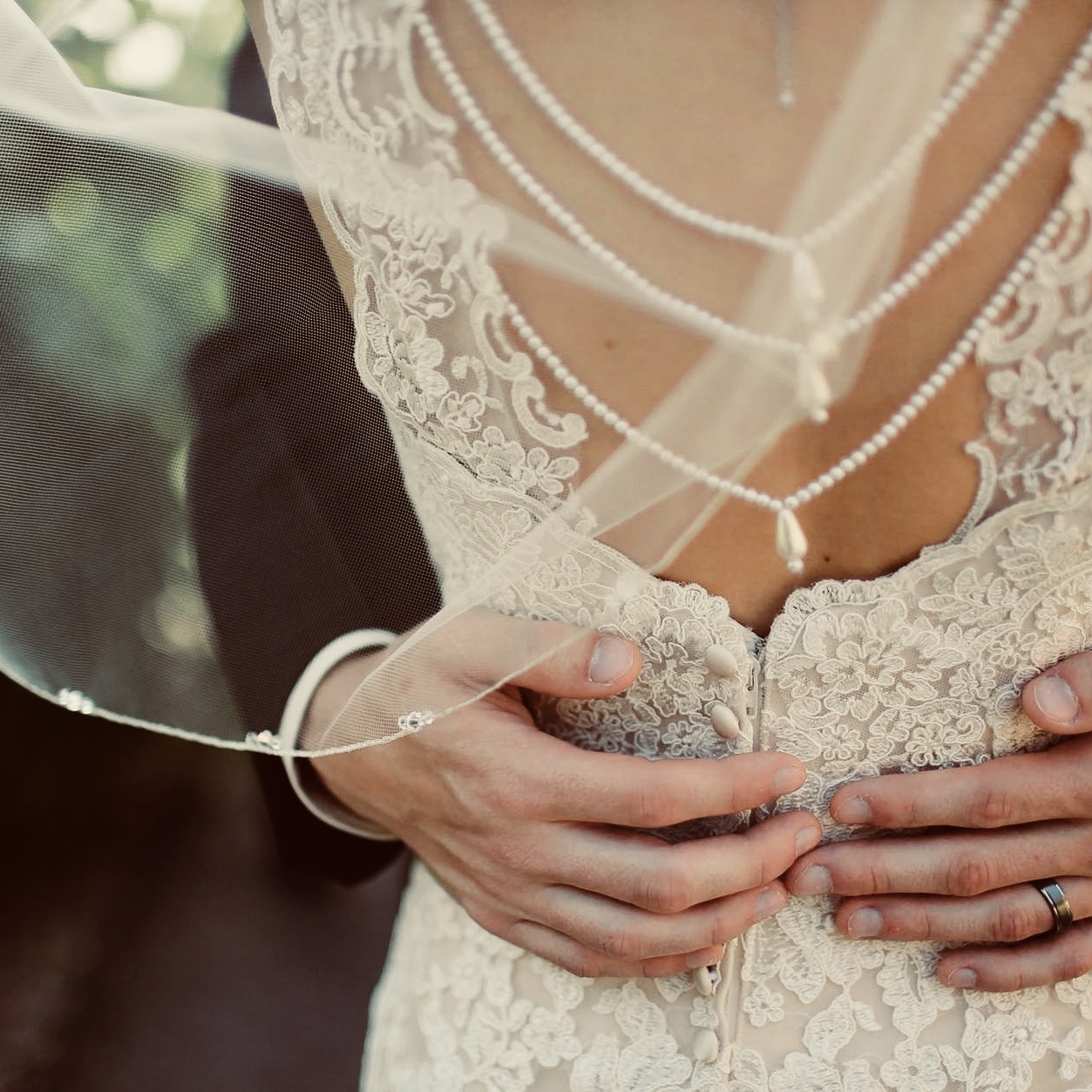 - bridal suitethere is so much that can be done prior to the big day. Pure lux in edina, takes pride in offering treatments for the whole body. Sculpsure body sculpting and infrared detox will get you ready for that gown. in addition, our personal trainers at tres sports can customize a plan to achieve your goals