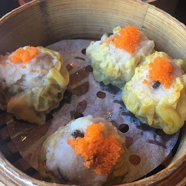 Pork and shrimp #shumai are little #dumplings from heaven. They're also only $5 during #happyhour 4-7! Regram and thanks @adolfosuaya #beverlygrove #beverlyhills #dinnertime #yum #foodporn #bao #baodimsum #dimsum #baodimsumrestaurant #chinesefood #asianfood